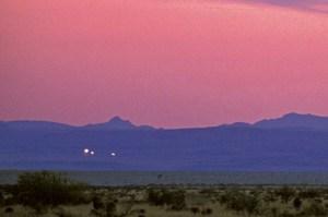 Záhadným světlům z Marfy vědci ještě nepřišli na kloub