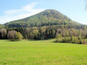 Pochmurný vrchol před staletími obývali oběšenci