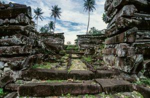 Čekání na prolomení kletby ostrovního města Nan Madol