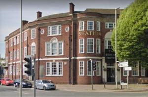 Strašidelný hotel v Anglii čeká demolice. Co se stane s jeho paranormálními obyvateli?