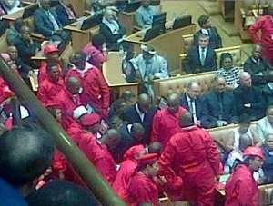 SONA2015: ejecting of eff from parliament sitting - pic2