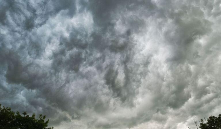 bentuk awan Nimbostratus