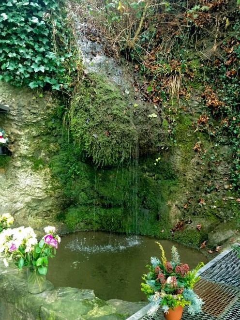 Die Lourdes Grotte