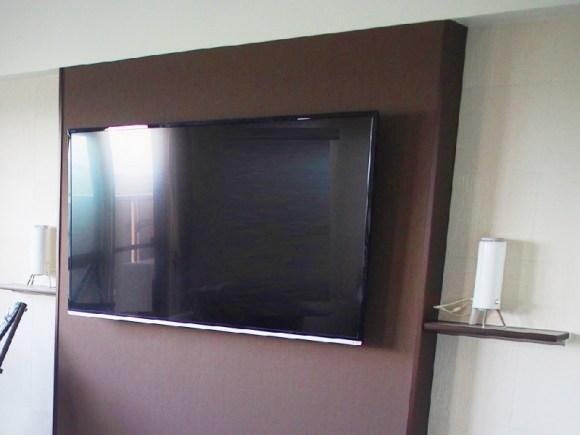 テレビ-壁掛け