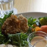 ビオハーヴェストプレートの主菜は車麩のフライでした