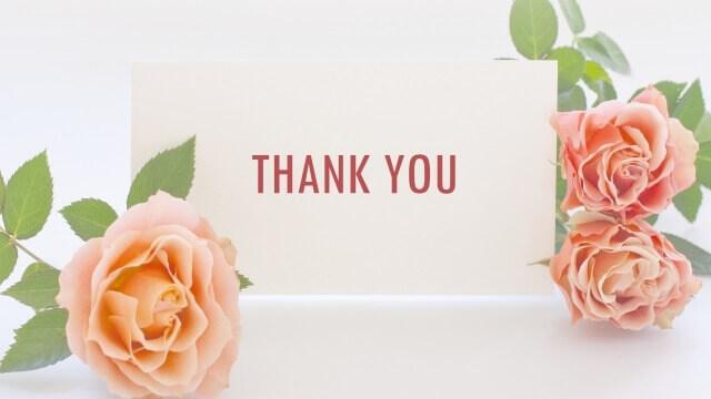 ピンクのバラ3輪とカードに「THANK YOU」の文字