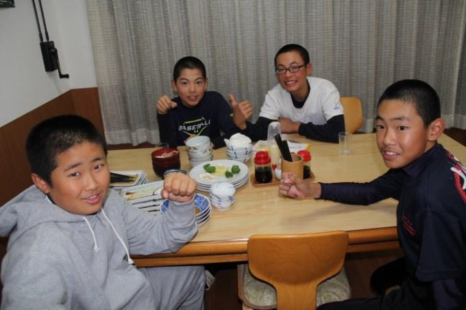 梅の屋旅館 スポーツ合宿 夕食