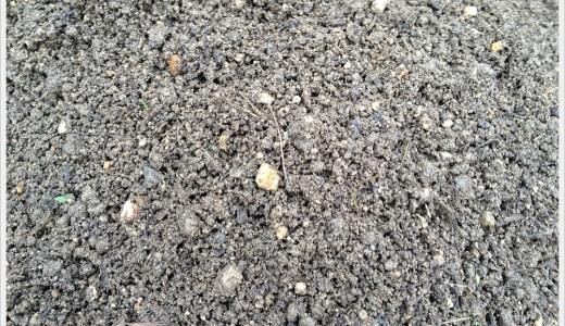 雑草と米ぬかの堆肥作りに成功しました!