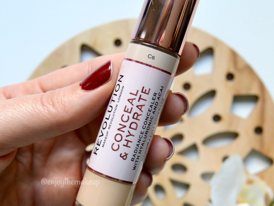 Corrector Conceal and hydrate de Makeup Revolution
