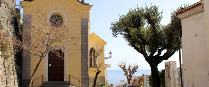 travel-italy-positano-church