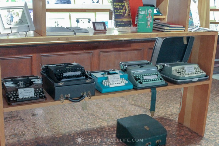 California's Largest Used and New Book and Record Store - Vintage Typewriters