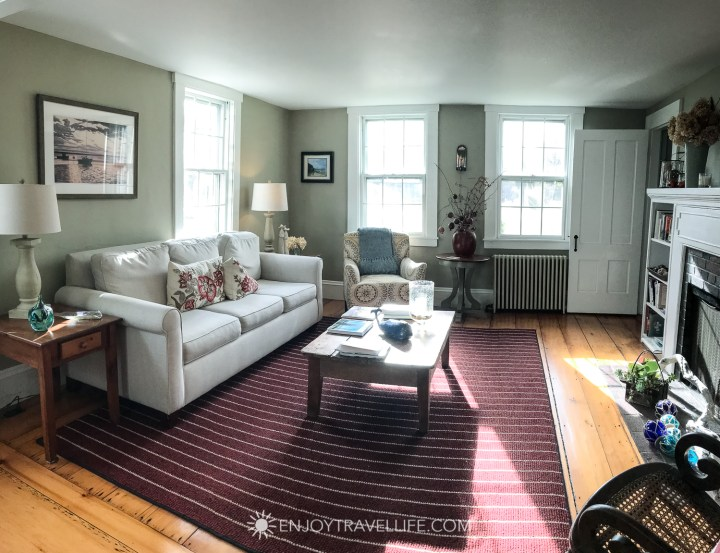 The Parsonage Inn Orleans Cape Cod Outer Cape Escape lounge