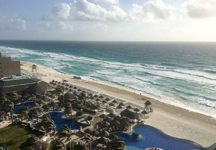 Balcony room with a view in Cancun | Romantic hotel experience