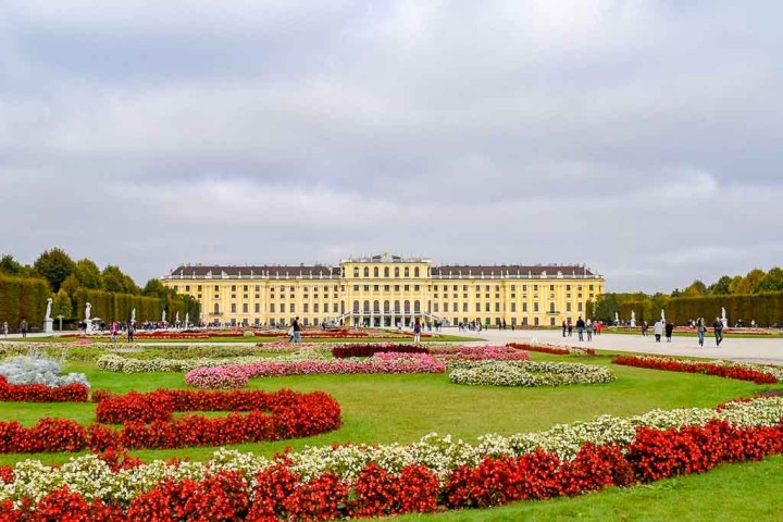 Schonbrunn Palace in Vienna Austria in bloom | Best Gardens in the World