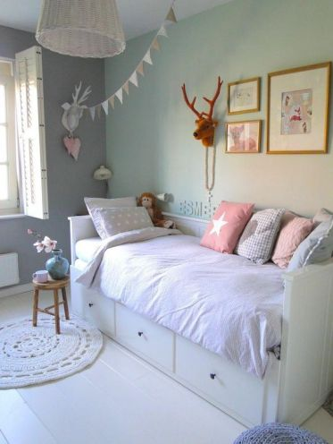 cushions (16)