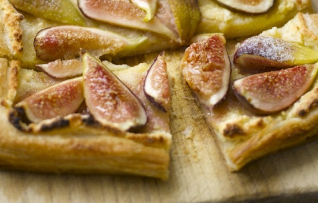 almond_tart_with_fig