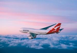 Skal du sitte i den skarpe enden lønner det seg å droppe sandaler og hullete shorts. Foto: Qantas