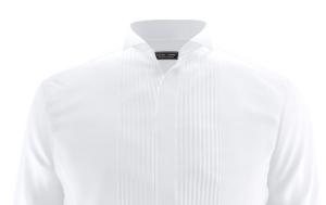 Smokingskjorte med plisébryst og knekt snipp. Foto: Tailorstore.no