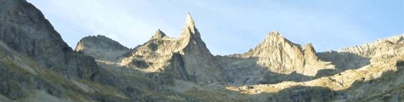 le cirque de pierre du Soreiller avec au centre la Dibona