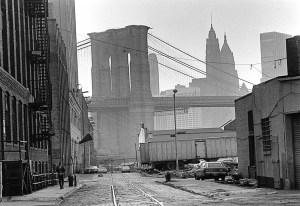 brooklyn-bridge-ca-1980