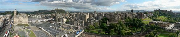 Edinburgh_from_Scott_Monument - photo Oliver-Bonjoch