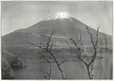 Herbert G. Ponting - le Fuji vu du lac Motosu Nishi-no-umi publié par K. Ogawa en 1905