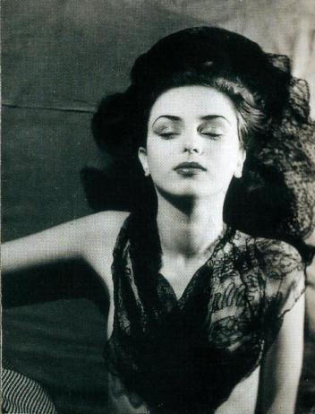 jacques-henri-lartigue-florette-paris-1944-scan-de-lartigue-l_album-d_une-vie-c2aecentre-pompidou-editions-du-seuil-2003-3-1