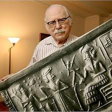 Sitchin with blowup of clay tablet made before we had telescopes that shows our solar system, including planets beyond eyesight