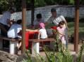 釣り堀は子どもたちに大人気です。