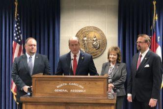 A las buenas o a las malas: Senador prepara proyecto local para contrarrestar veto de HB 370