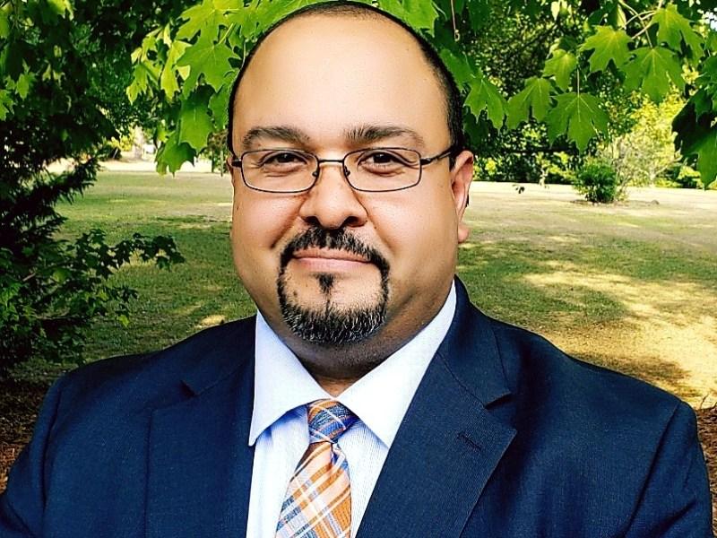 primer concejal latino Wallace tiene concejal latino