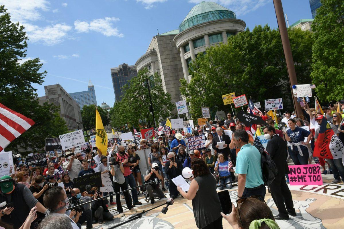 Protestas por el regreso de las sesiones legislativas en Carolina del Norte