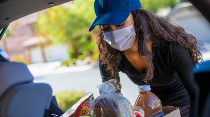 Distribuir alimentos en Carolina del Norte
