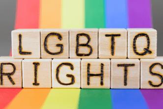 LGBTQ demócratas presentan reformas para igualdad de derechos