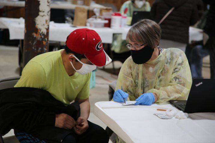 vacunación trabajadores esenciales Orange