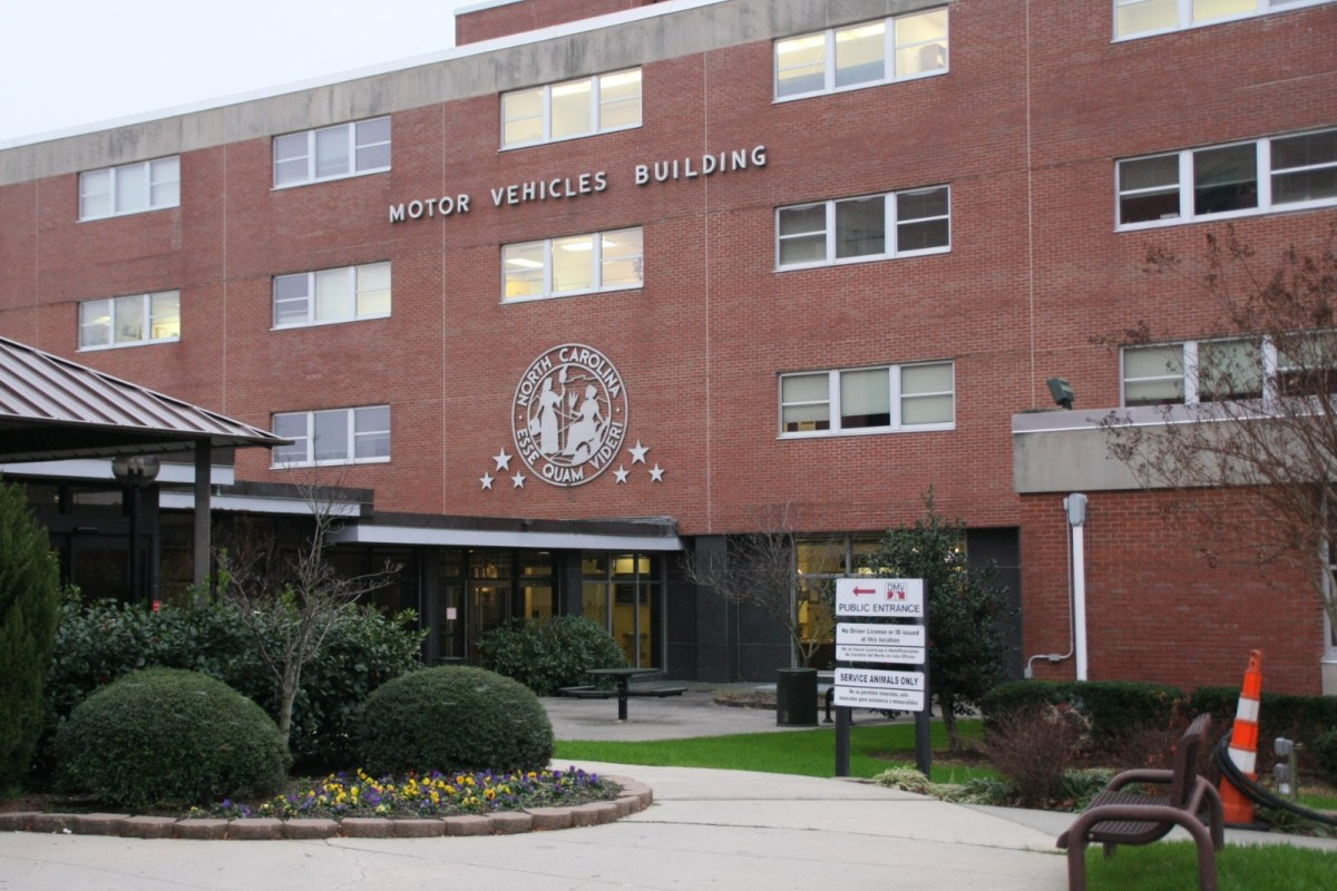 cómo sacar una licencia de conducir en Carolina del Norte