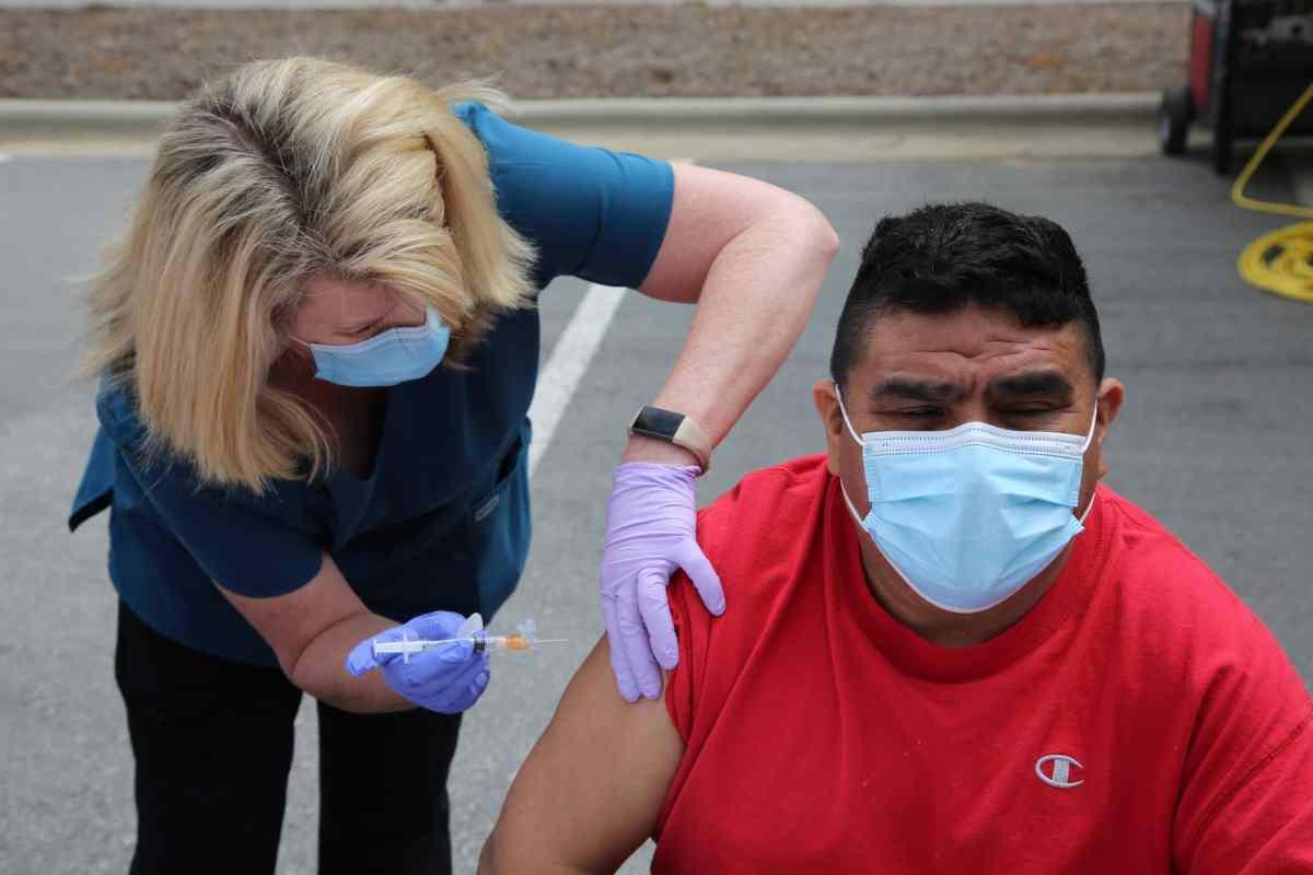Latinos vacunados
