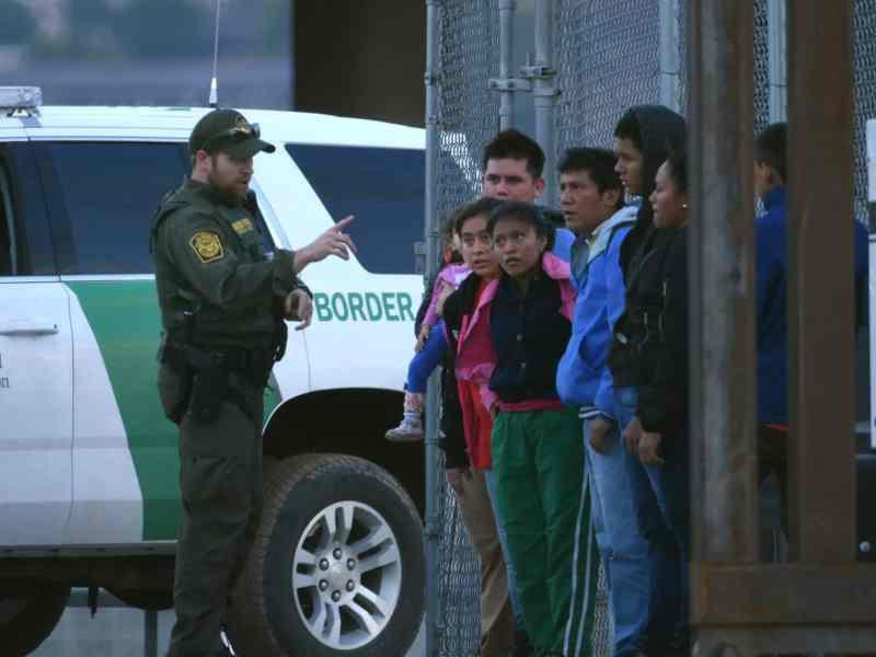 retraso-Casos-de-deportación-agrava