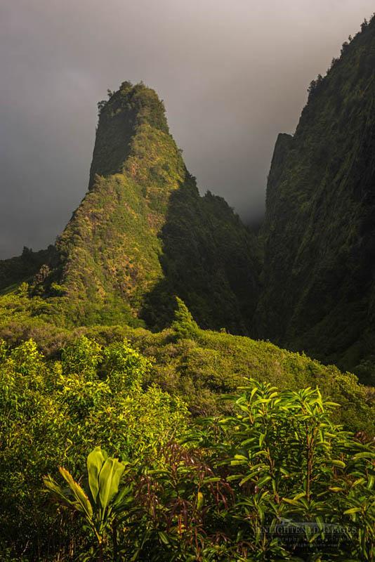 Photo: Iao Needle, Iao Valley State Park, Maui, Hawaii