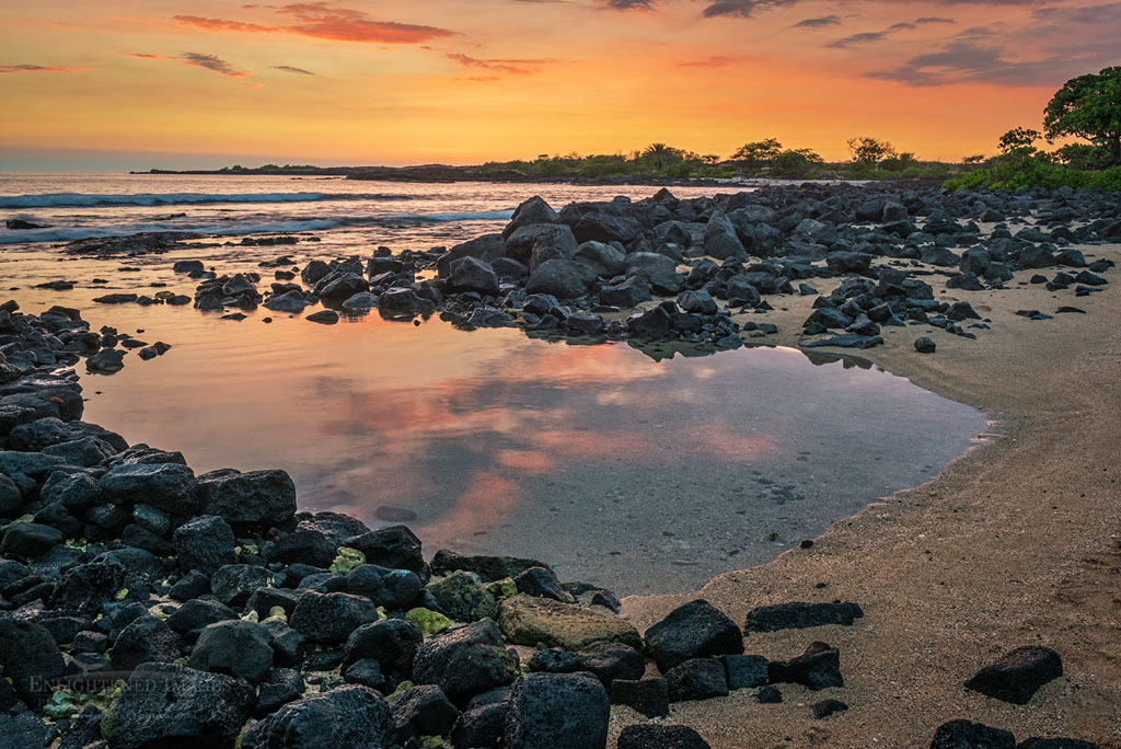 Photo: Sunset at Kilaua Beach, Old Kona Airport State Recreation Area, Kailua-Kona, Big Island of Hawai'i, Hawaii