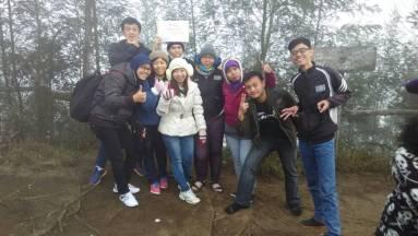 Foto bersama di Bukit