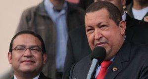 Hugo Chávez y el ministro de Defensa Alberto Otárola