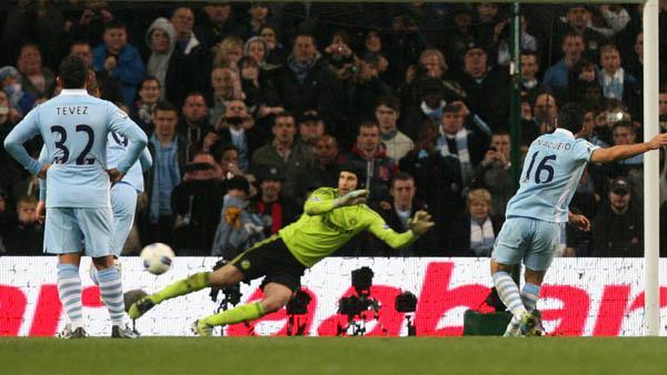 Manchester City superó 2-1 a Chelsea con goles de Aguero y Nasri