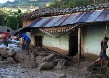 Alud afecta poblado de Apurimac