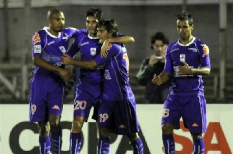 Olivera marcó el único gol con el que Defensor superó al Guadalajara