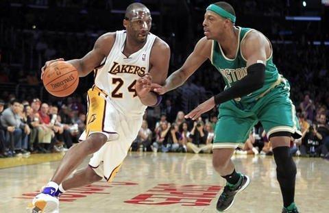 Kobe Bryant fue figura en la victoria de los Lakers sobre los Celtics
