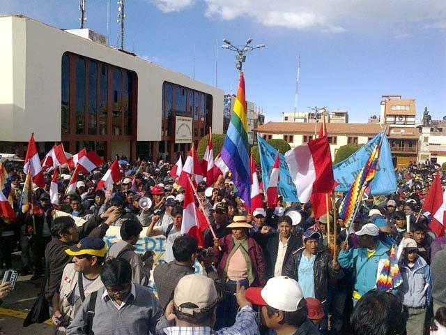 También protestan en Puno
