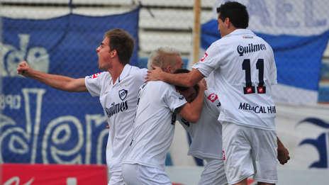 Quilmes celebra su ascenso a primera división