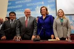 Luisa María Cuculiza y su lista multipartidaria