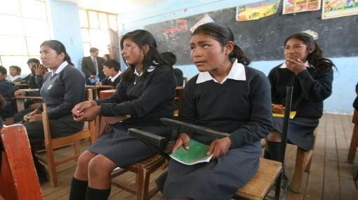 Escolares del Perú